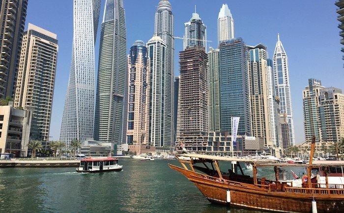 Dubai met een baby