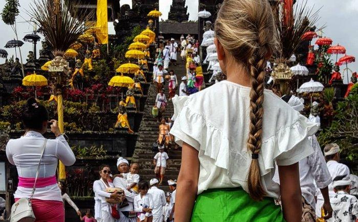 Tempel bezoeken Bali met welke kleding