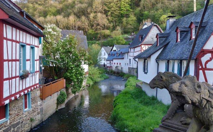 Monreal in stadje in de Eifel
