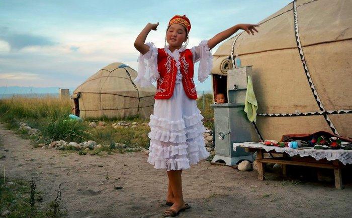 Kirgistan met kinderen