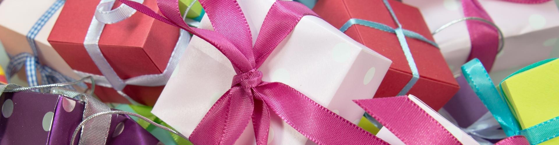 cadeau's met magenta lint