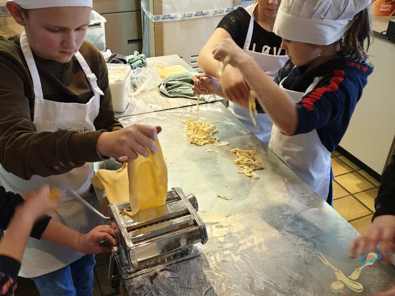 Over ons Kinderen koken pasta
