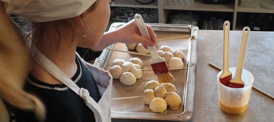 Kookcollege kinderfeestje broodjes en koekjes bakken