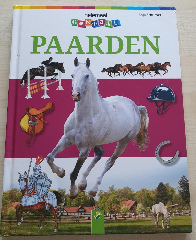 Maanthema Paardenkracht, het boek Paarden