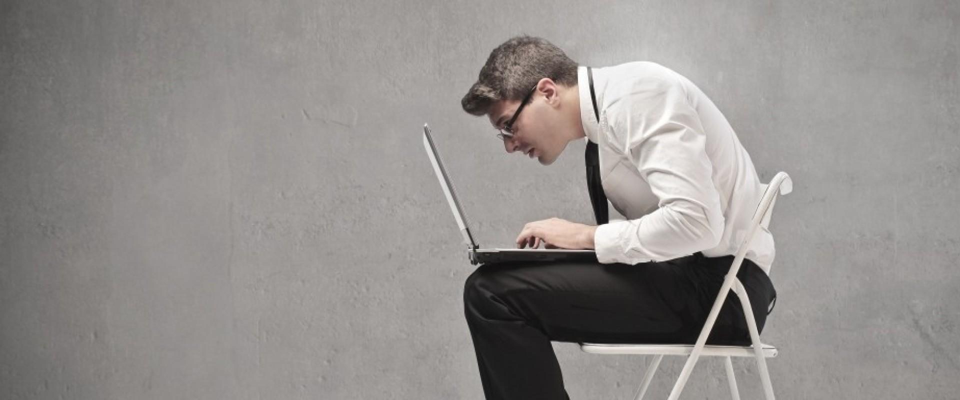 Goede Zithouding Tijdens Het Werk? 5 Essentiële Tips!