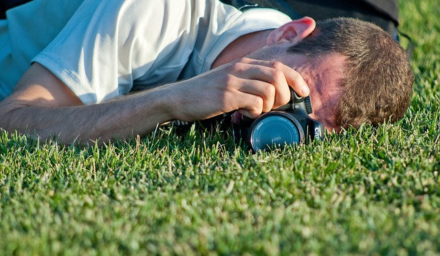 Liggende fotograaf