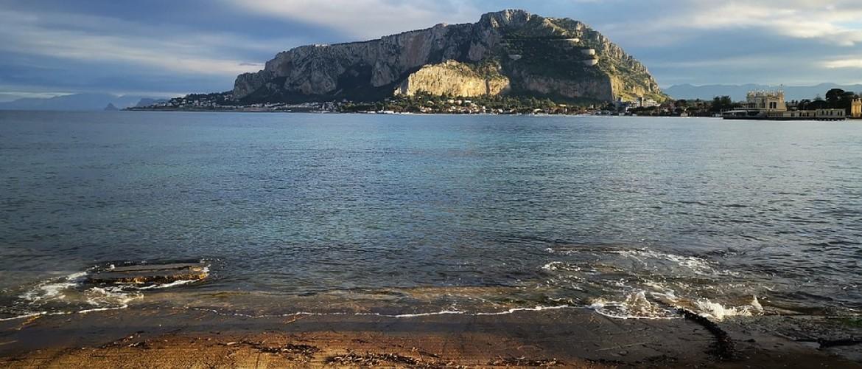 Kustplaatsen aan de Tyrreense zee
