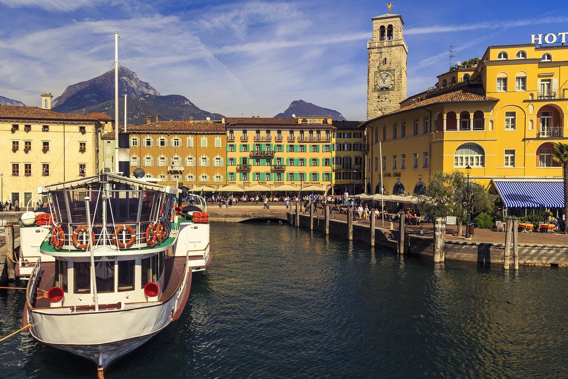 Riva del Garda een dorp in het noorden van het Gardameer