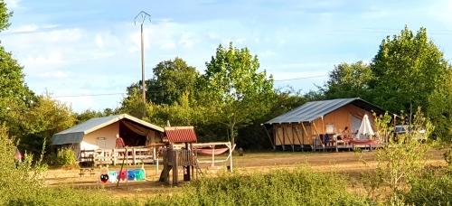 tent houten palen 6 persoons