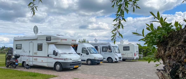 Camperplaats Kikkerbosch aan rivier de Vecht