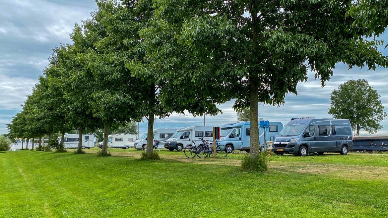 Camperplaatsen bij een golfbaan Hattem