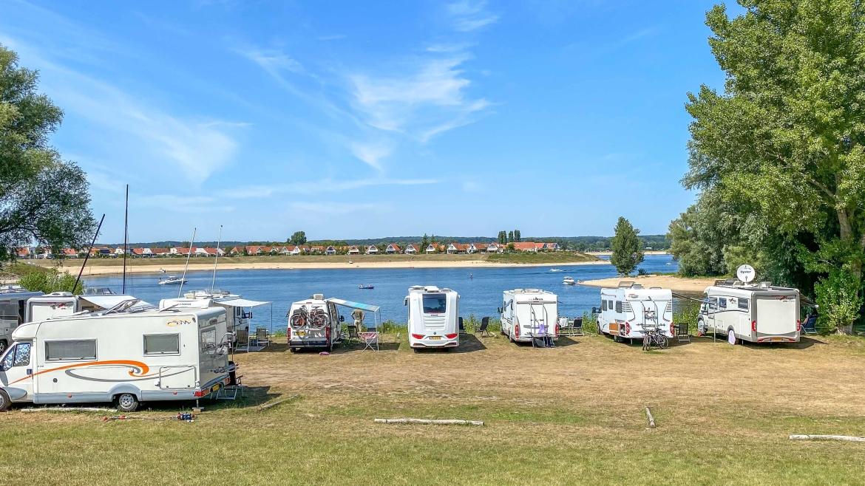 Camperplaats 't Eiland, camperplaats bij een jachthaven