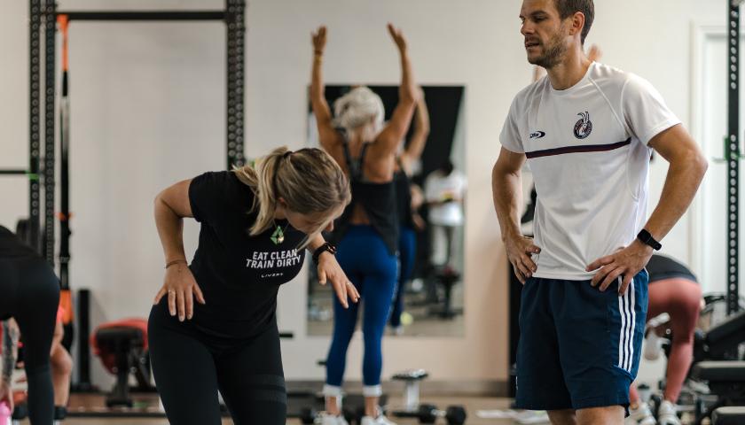 Bij LIVEPT ben jij geen nummer, wij begeleiden jou naar jouw fitness doelen met de juiste begeleiding