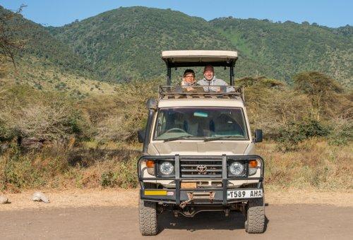 Tanzania Safari Makasa Jeep