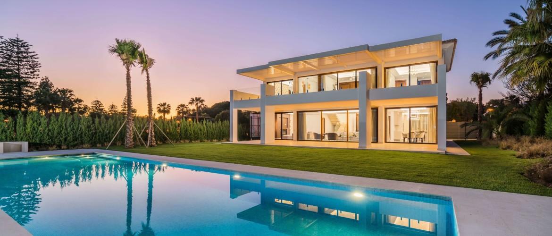 Guadalmina Baja, Stunning contemporary Villa