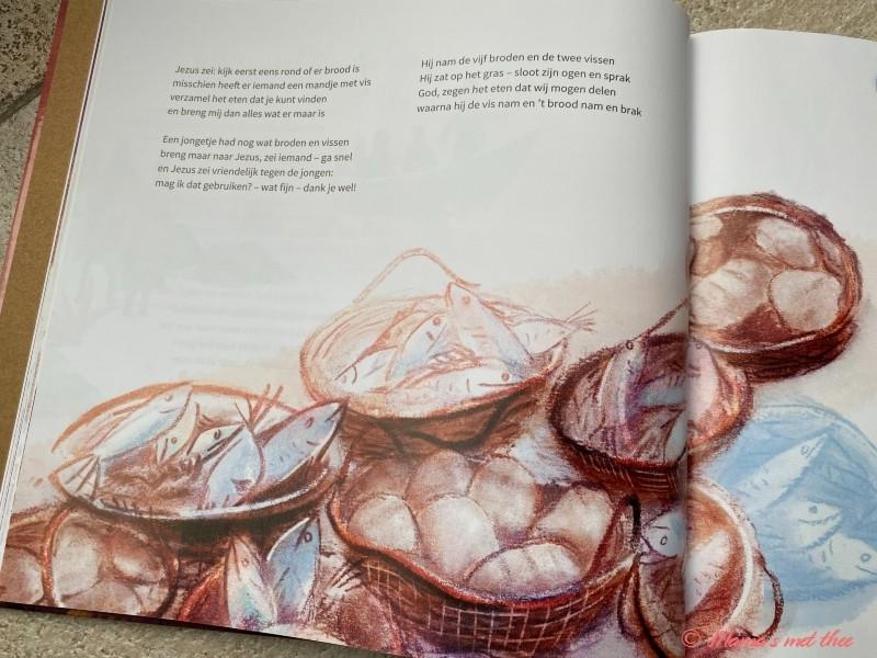 Kinderbijbel op rijm NT_brood en vissen