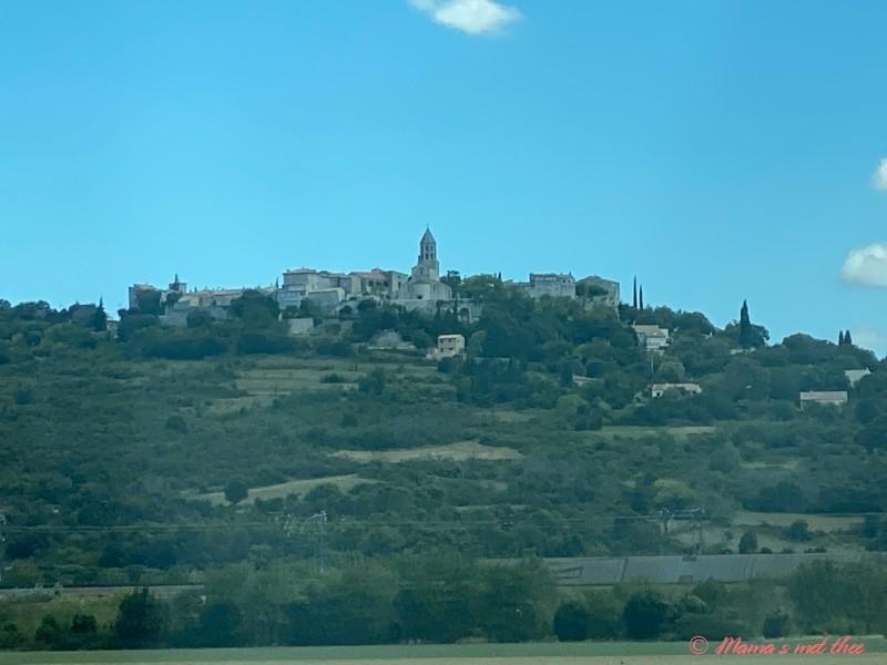 Uitzicht peage op Frans dorp