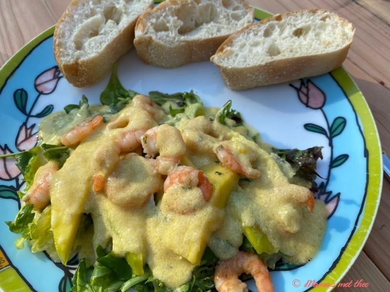 Salade met mango en garnalen