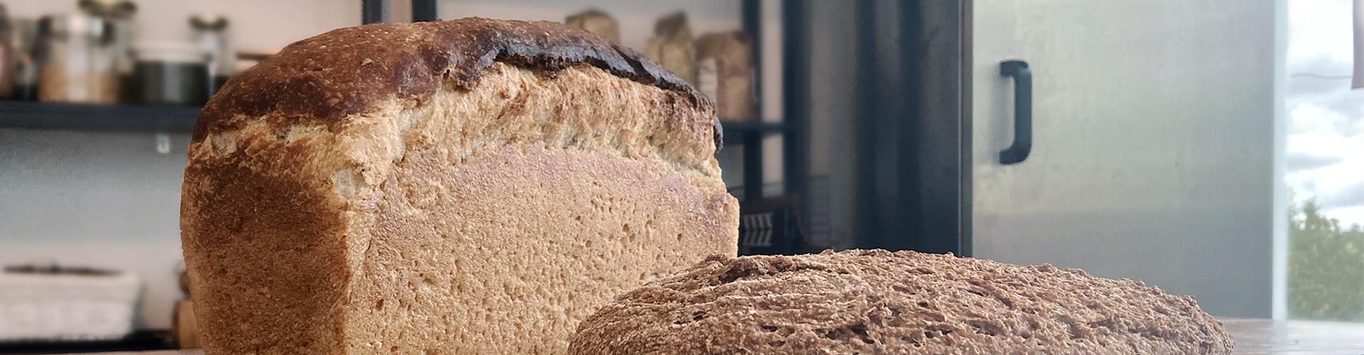 Busbrood met planbrood - Top of Flop - Marije Bakt Brood