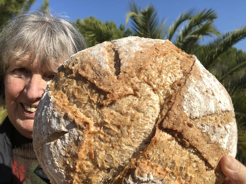 Cornelia Xaló trotse thuisbakker Marije Bakt Brood