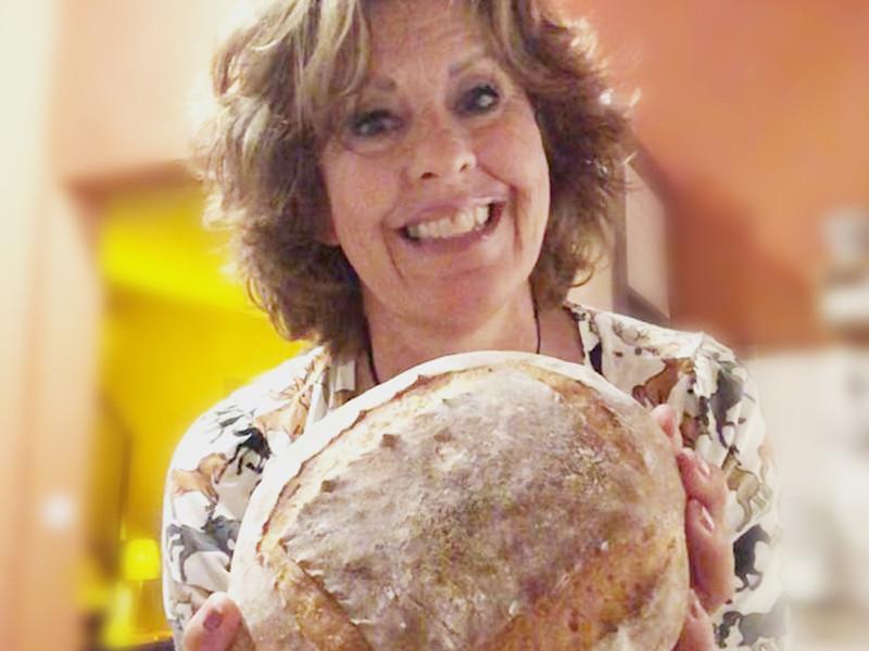 Ellen - trotse thuisbakker Marije Bakt Brood
