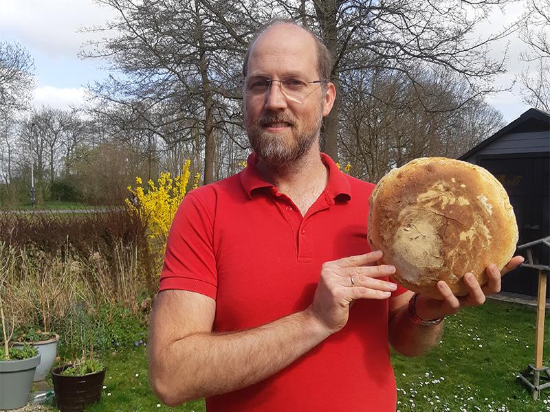 Ger Standhardt- Campina - Trotse Thuisbakker Marije Bakt Brood