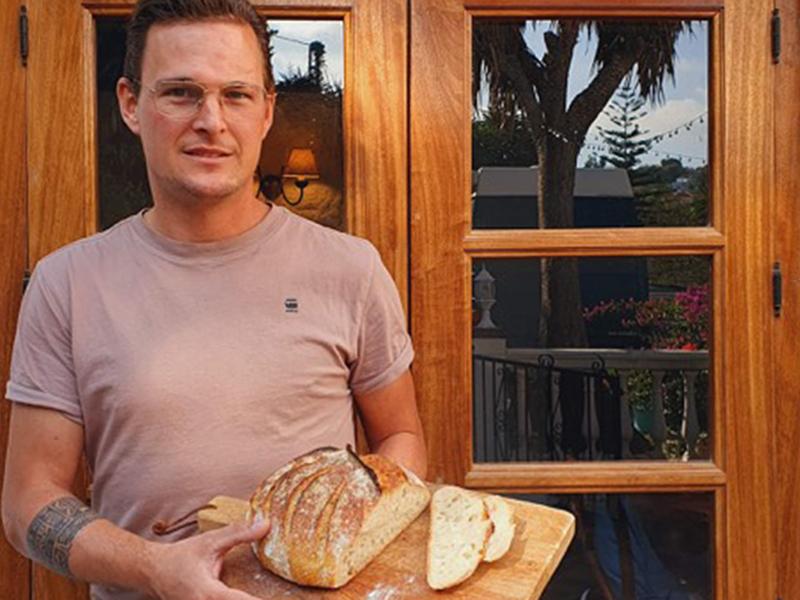 Jurgen - trotse thuisbakker Marije Bakt Brood