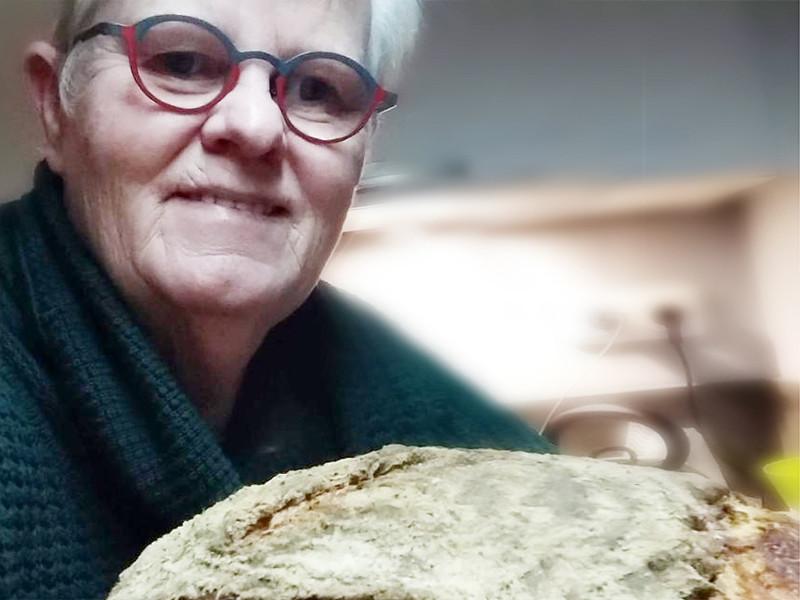 Sjonnie - trotse thuisbakker Marije Bakt Brood