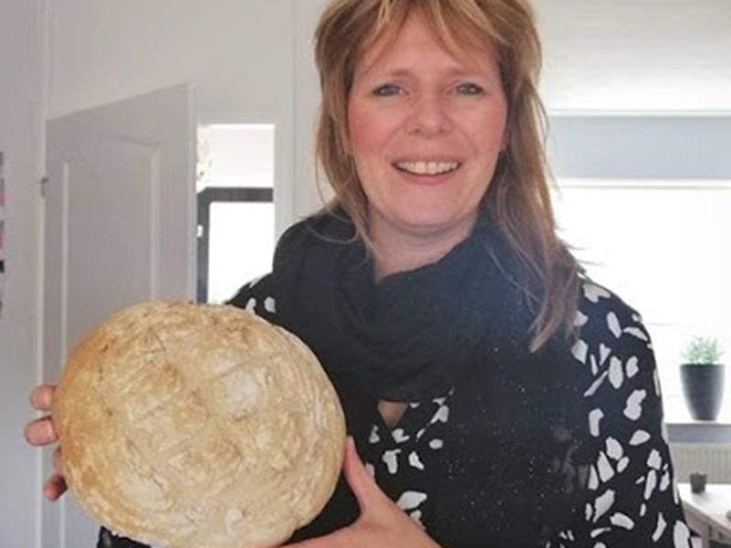 Wendy - trotse thuisbakker Marije Bakt BroodWendy - trotse thuisbakker Marije Bakt Brood