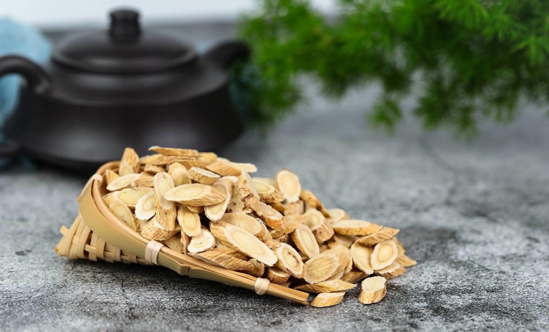 Astragalus-wortel-belangrijkste-bestanddeel