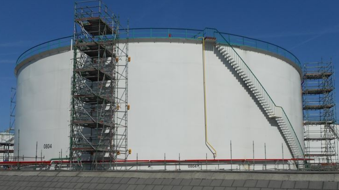 Controlock® magnets on a storage tank
