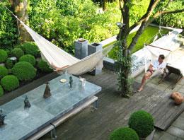 Relaxen in een strakke loungetuin