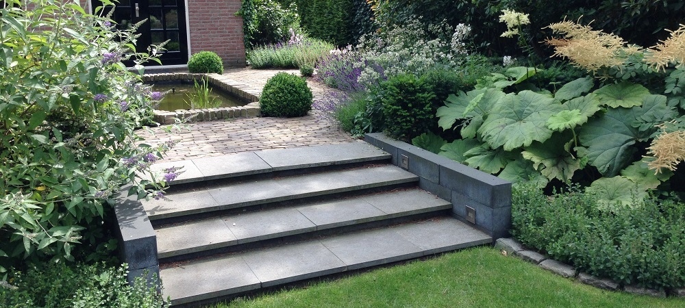 Exclusieve tuin in de regio almelo moderne tuinen for Tuin aan laten leggen
