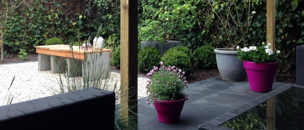 Kleine tuin inrichten hoe doe je dat 4 tips for Strakke kleine tuin
