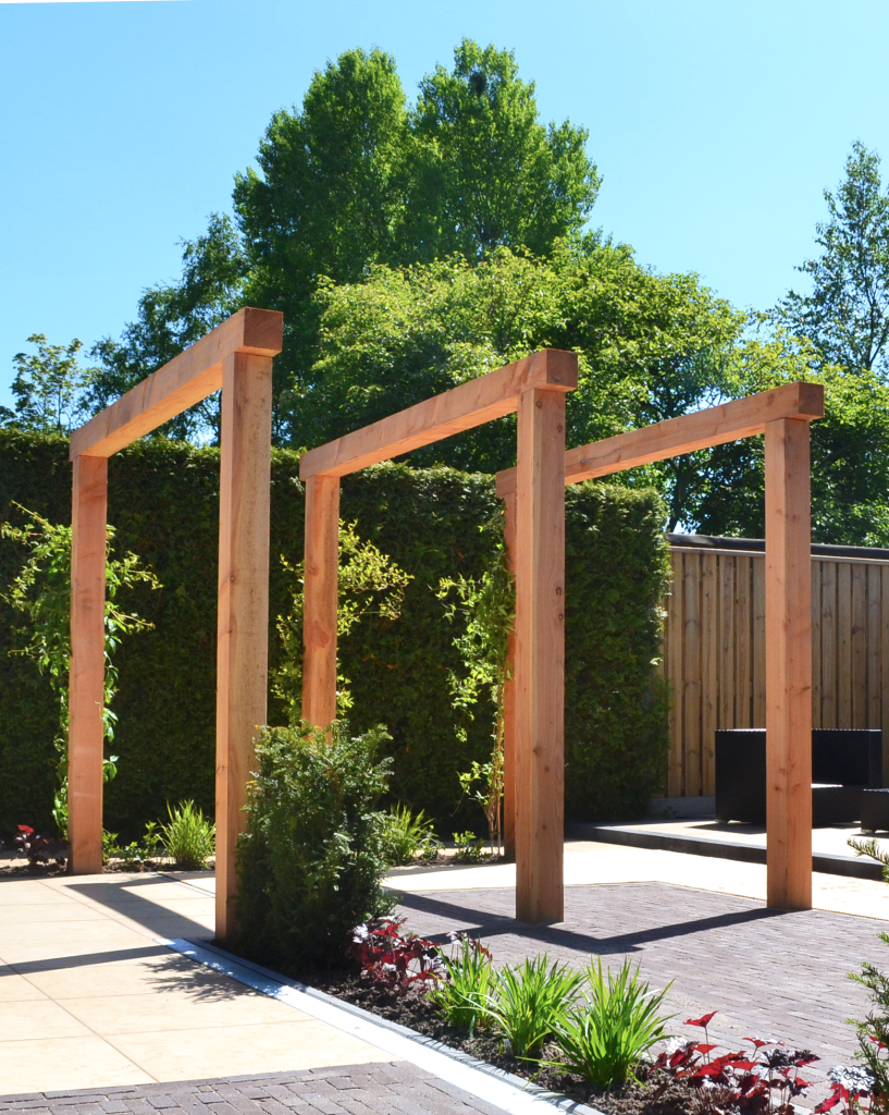 Modern hoveniersbedrijf met boerenverstand - Voorbeeld van houten pergola ...