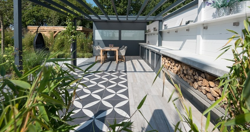 Keramische tegels leggen in de tuin 2 manieren tips - Dek een terras met tegels ...