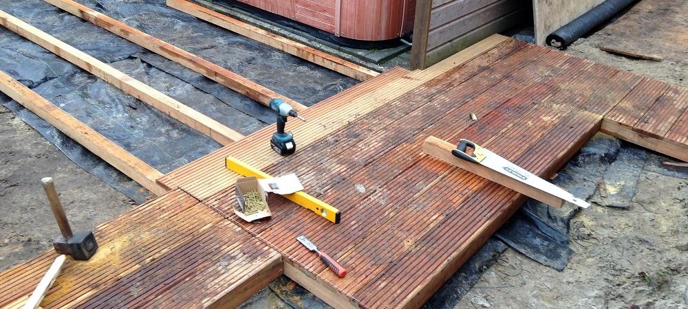 Tuin laten aanleggen door een hoveniersbedrijf - Hoe een overdekt terras te bouwen ...