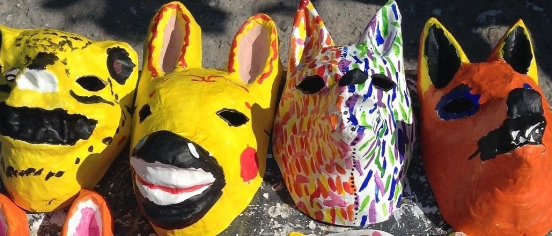 Maskers maken en maskerspel