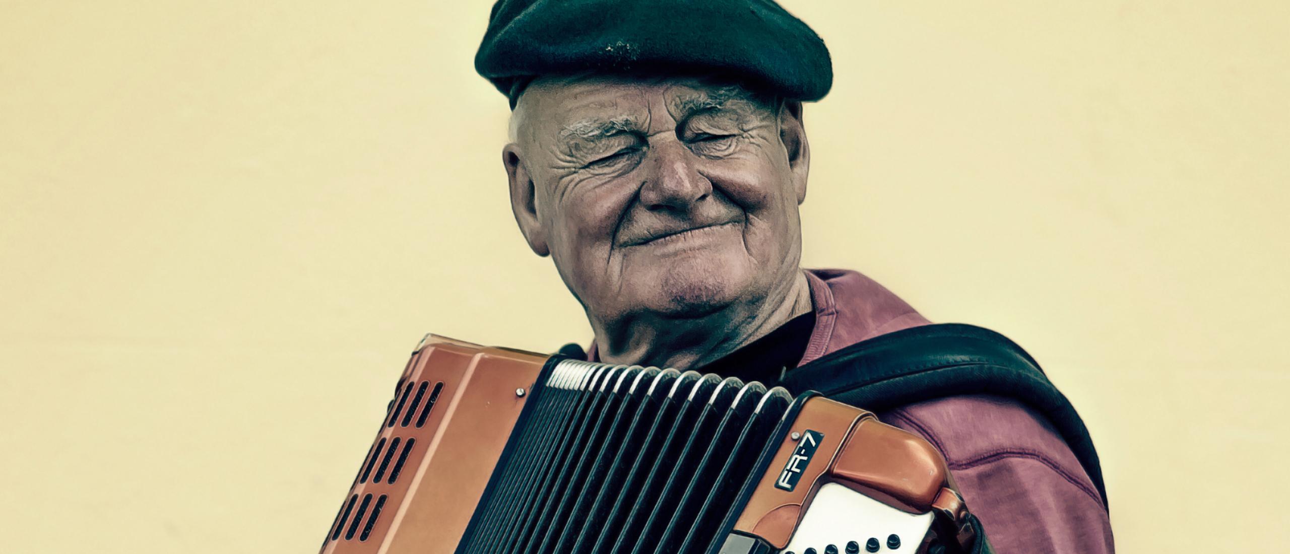 Accordeon muziek bij de uitvaart: trendy of traditioneel?