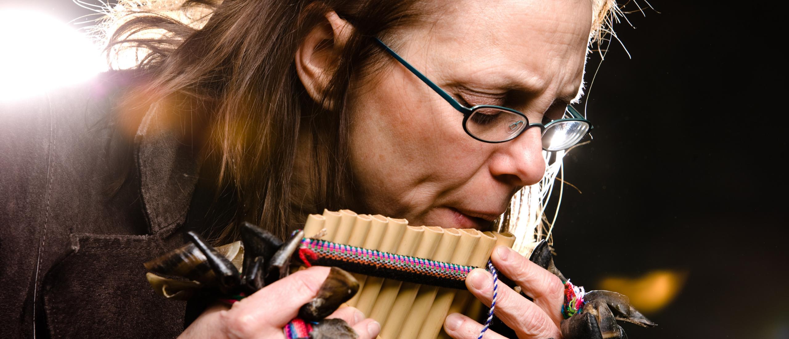 Panfluitmuziek bij het afscheid nemen: hoe geliefd is deze keuze?