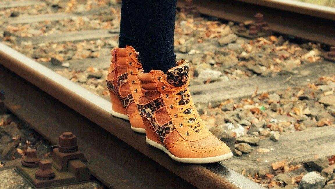 small-talk-op-je-gemak-een-gesprek-voeren-mooie-schoenen