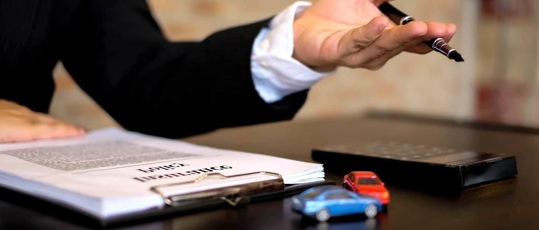Hoe weet je of een autoverkoper betrouwbaar is?