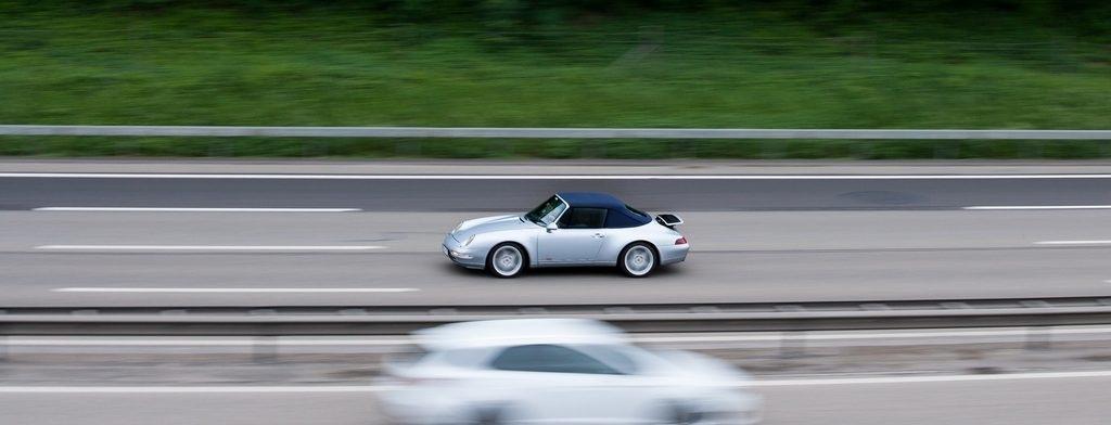 te veel betalen voor tweedehands auto - proefrit Porsche