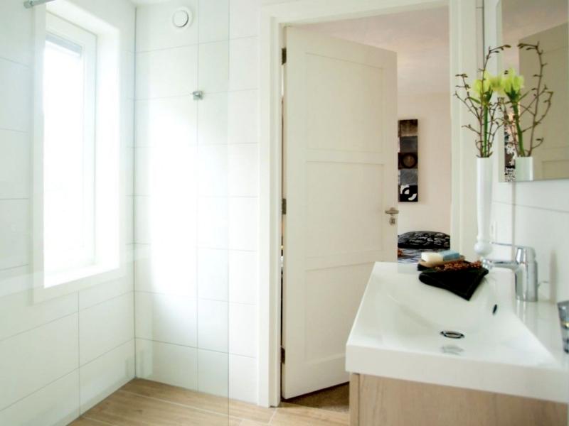 MijnVakantiehuisJouwVakantiehuis.nl Villa Meerzicht badkamer 1