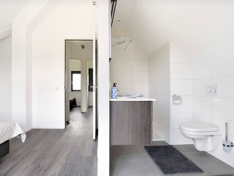 MijnVakantiehuisJouwVakantiehuis.nl Waterstaete 60 masterbedroom