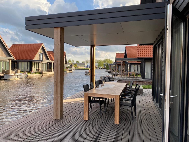 Villa Tjalk+, Waterstaete 60, MijnVakantiehuisJouwVakantiehuis.nl