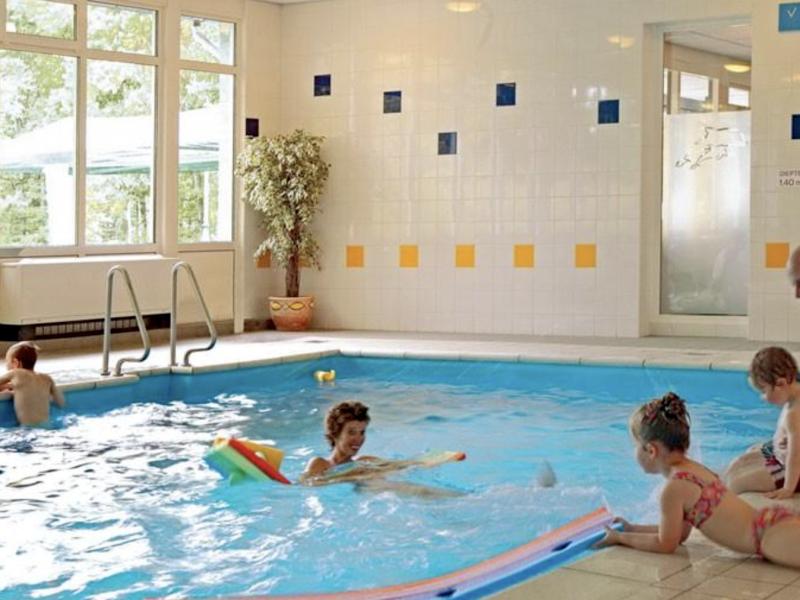 Landal Aerwinkel 45 zwembad MijnVakantiehuisJouwVakantiehuis.nl