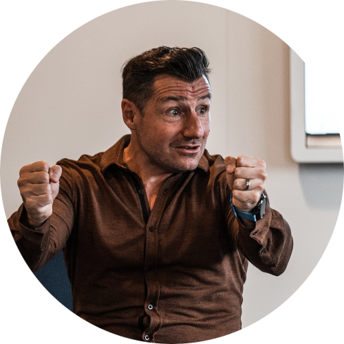 Milan Somers leert je tijdens opzwepende seminars en lezingen hoe jij je eigen mindset positief kan beïnvloeden