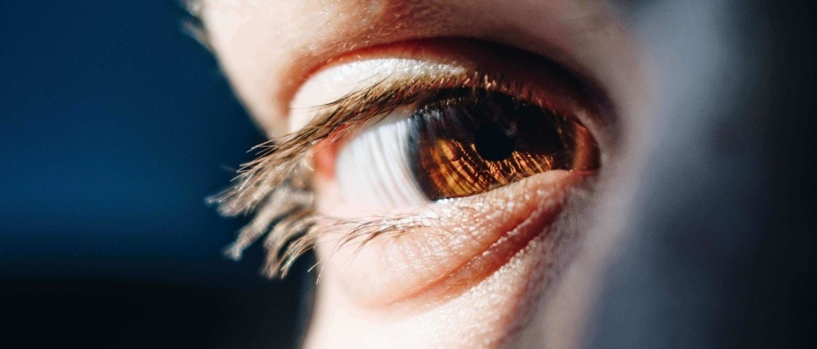 A twitching eyelid? - Recognize the subtle signals of stress