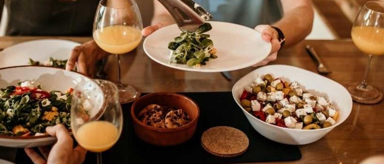 Kookprogramma op NPO3 met vegan recepten: Donnie Aan De Kook